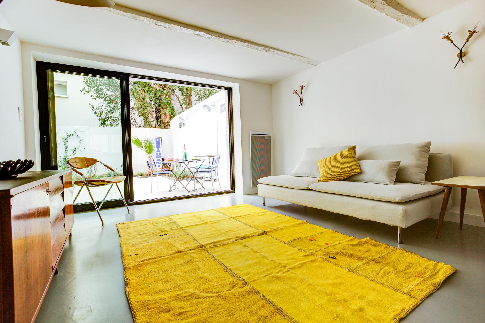 Castellane / Menpenti – Rez de jardin – Loft T3 – 85 m2 – Terrasse 32 m2 – 236000 €