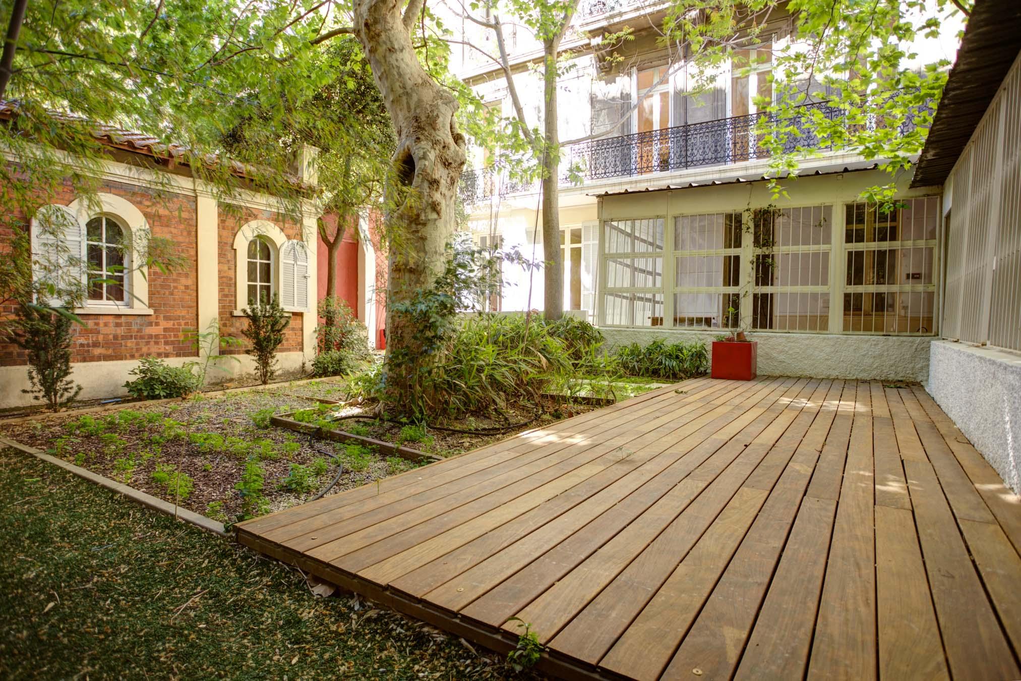 13001 – Parc Longchamp – T10 – 380 m2 – Jardin 70 m2 – Dépendance 20 m2 – 850 000 €